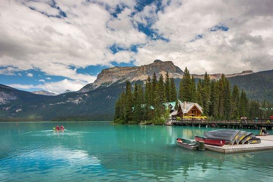 emerald-lake-lodge-summer.jpg